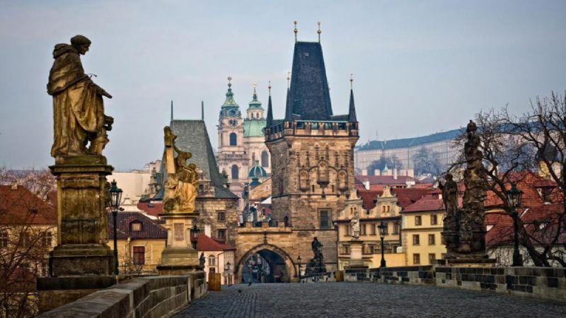 добраться из аэропорта Праги до центра города