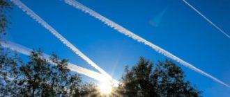 почему самолет оставляет след в небе
