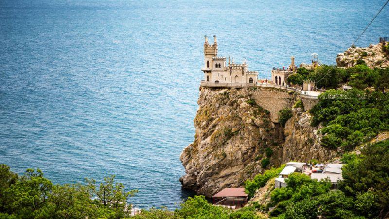 сколько стоит билет на самолет на Крым
