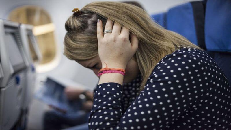 что делать чтобы не закладывало уши в самолете